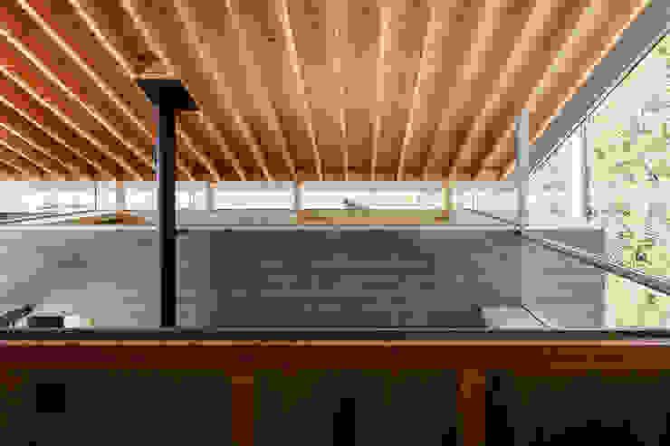Modern walls & floors by 建築設計事務所SAI工房 Modern