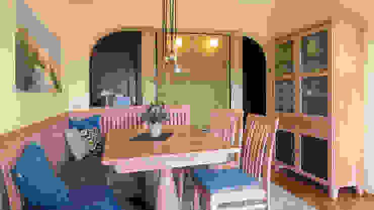 Stimmige Kombination Esszimmer im Landhausstil von T-raumKONZEPT - Interior Design im Raum Nürnberg Landhaus Massivholz Mehrfarbig