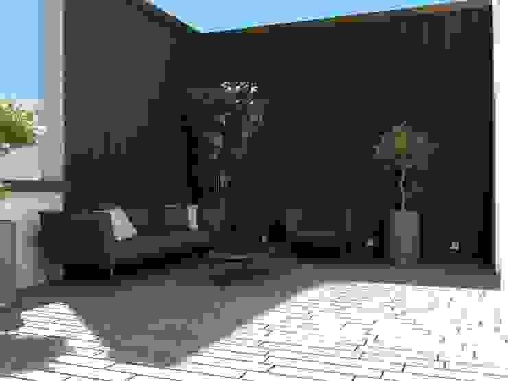 Terrace Aeon Studio Giardino moderno Legno Marrone