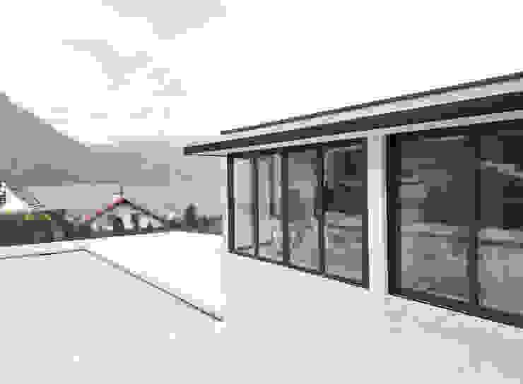 Faltwände Aluminium von Sunflex SF 55 für modernes Poolhaus Moderne Häuser von Schmidinger Wintergärten, Fenster & Verglasungen Modern Aluminium/Zink