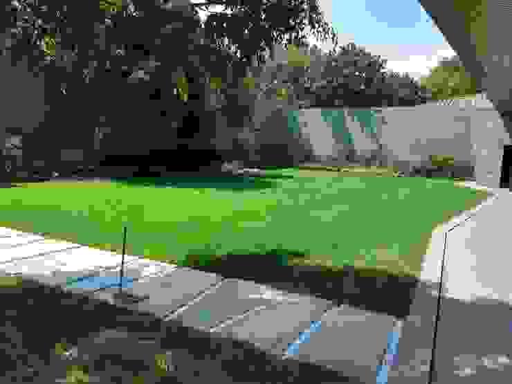 Jardín Interior Residencial AAVE Diseño y Construcción Casetas de jardín