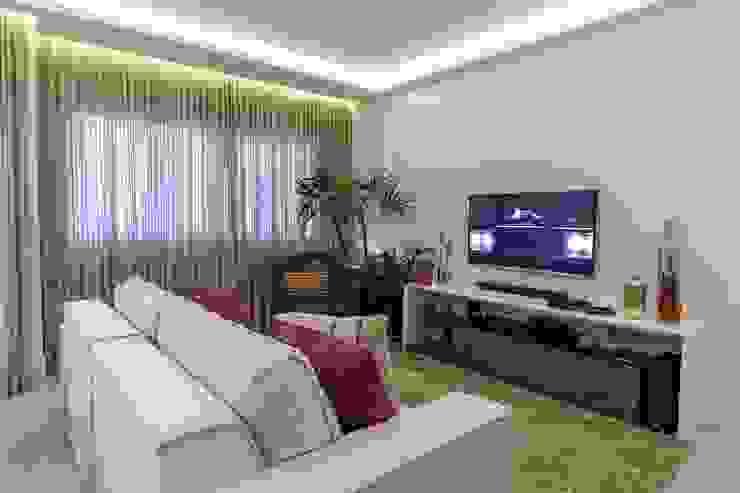 Salon moderne par Milla Holtz & Bruno Sgrillo Arquitetura Moderne