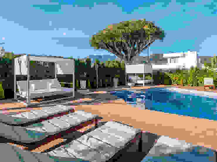 camas balinesas DC PROJECTS Diseño de interior Málaga Hoteles de estilo moderno