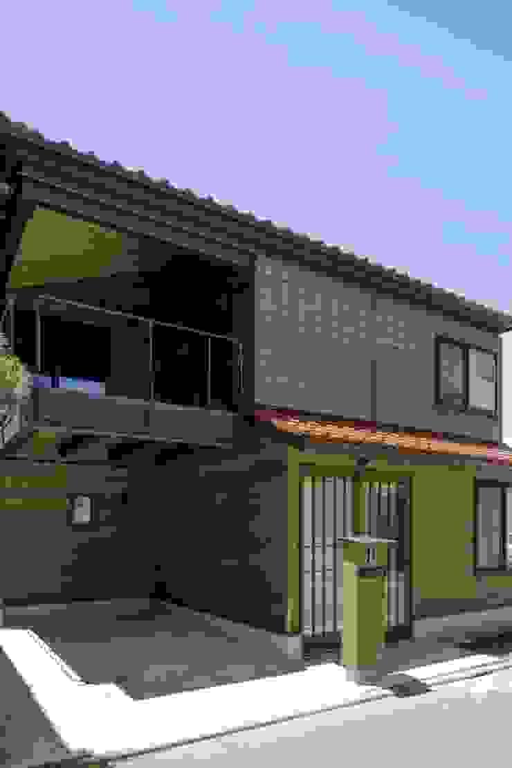 葛飾区T邸 オリジナルな 家 の スタジオ・スペース・クラフト一級建築士事務所 オリジナル 無垢材 多色