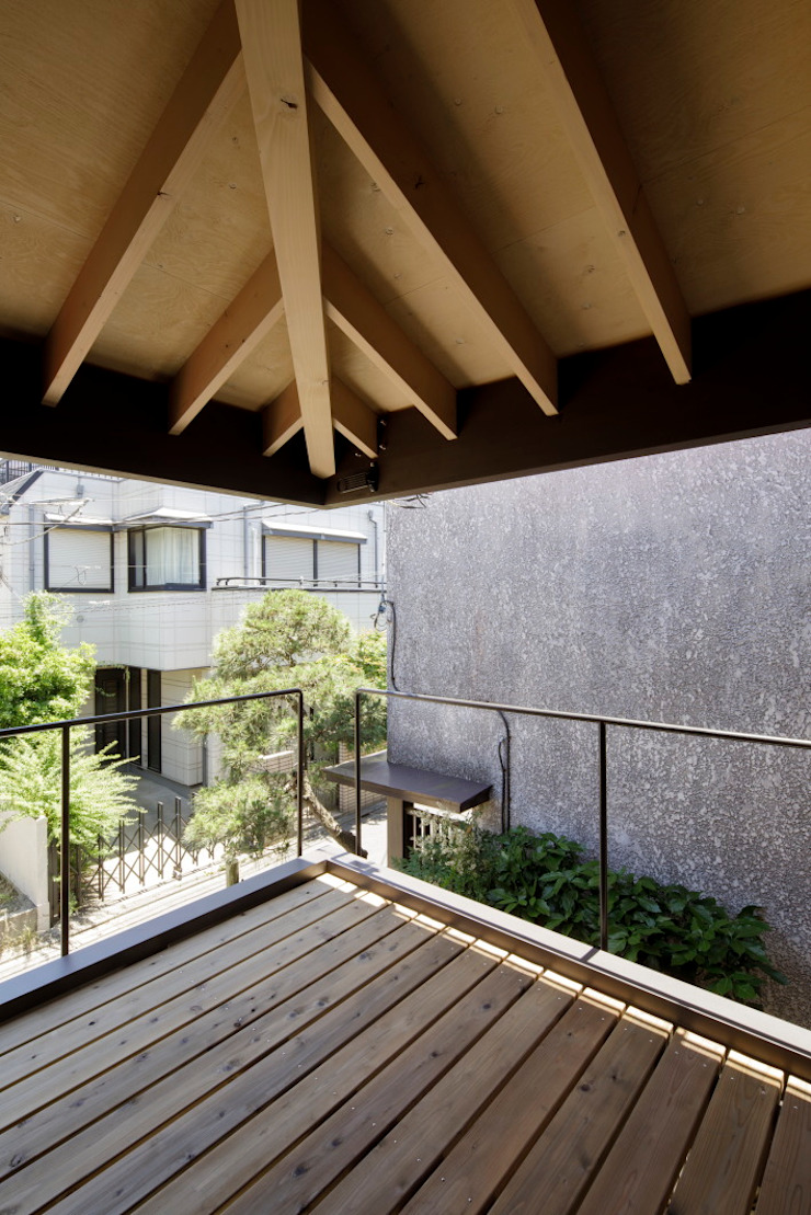 葛飾区T邸 オリジナルデザインの テラス の スタジオ・スペース・クラフト一級建築士事務所 オリジナル
