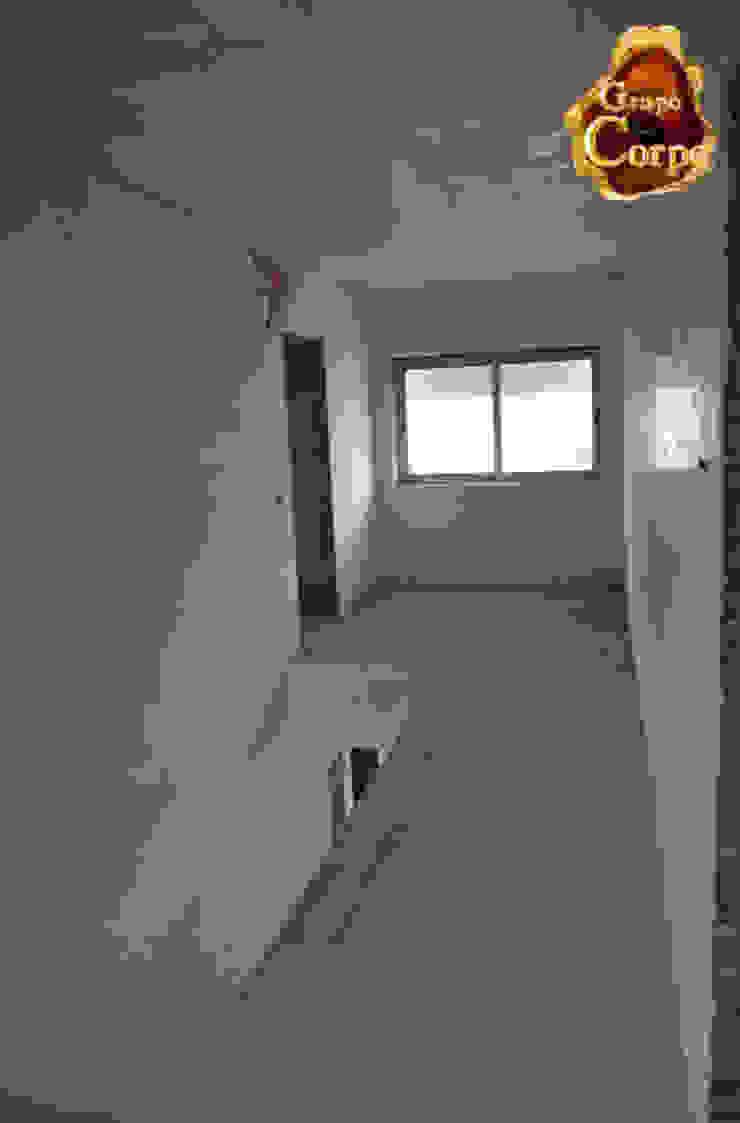 Modern Corridor, Hallway and Staircase by Grupo Corpe® Modern Wood Wood effect