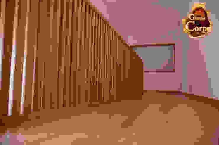Modern Corridor, Hallway and Staircase by Grupo Corpe® Modern
