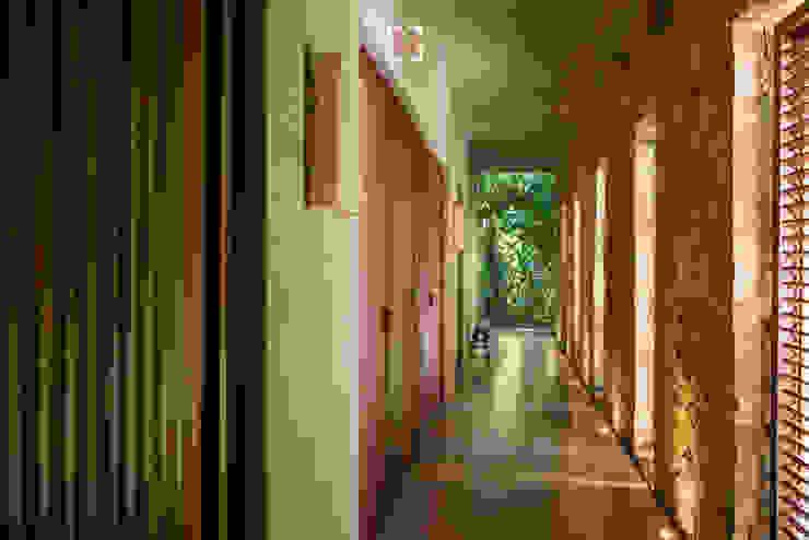 Arcencielstudio Tropical style hotels