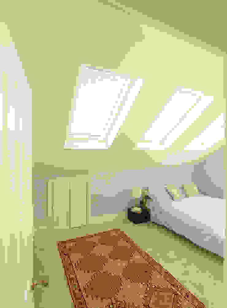 Loft Conversion Bedroom 1 Kamar Tidur Modern Oleh APT Renovation Ltd Modern