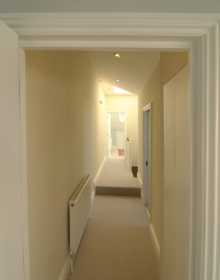 Canford Road, Clapham Common—SW11 Modern Corridor, Hallway and Staircase by APT Renovation Ltd Modern