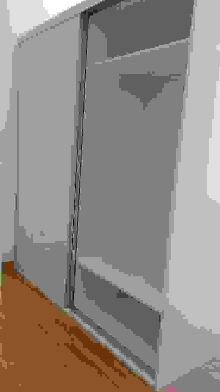 SQ-Decoración BedroomWardrobes & closets