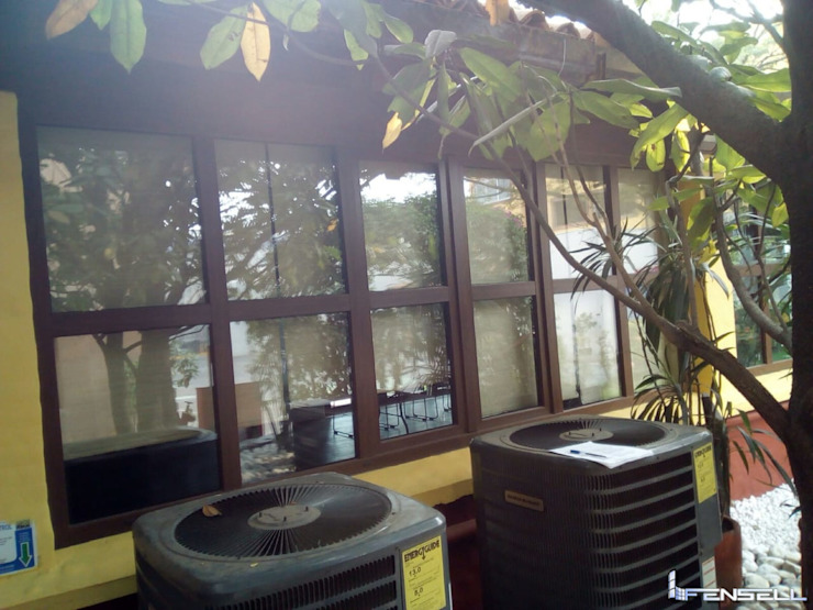 Ventana de PVC Aislante de Ruido. FENSELL Puertas y ventanasVentanas Plástico Acabado en madera