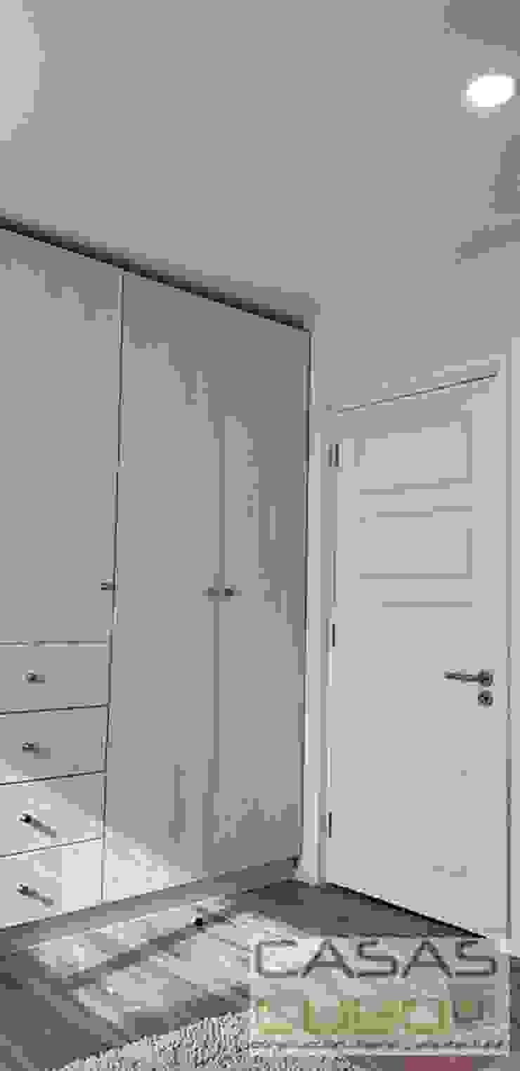 Modern style bedroom by casas cubo Modern
