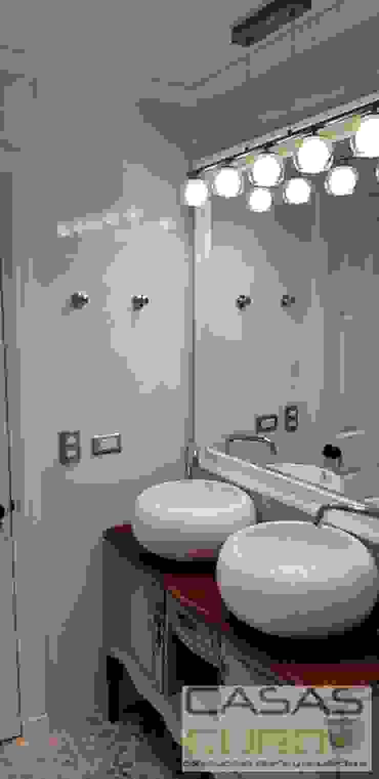 Salle de bain moderne par casas cubo Moderne