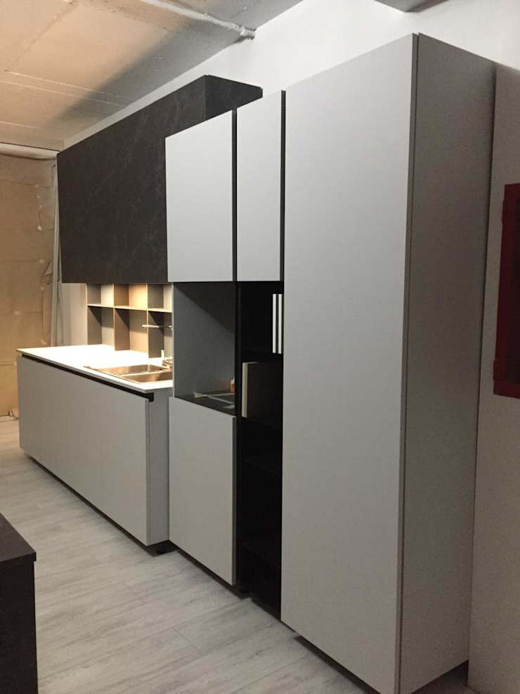 Modern kitchen by STOSA CUCINE CHILE Modern