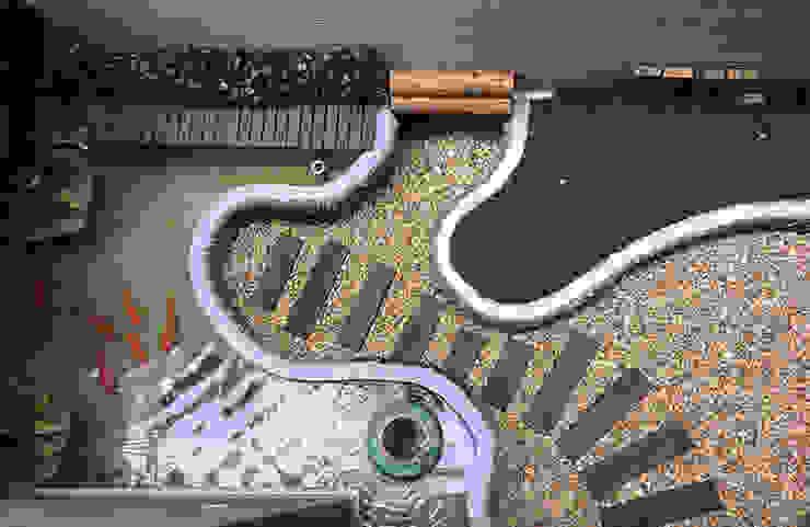 樓庭院以日式造景方式安排,給予室外空間盎然綠意 根據 雅和室內設計 日式風、東方風