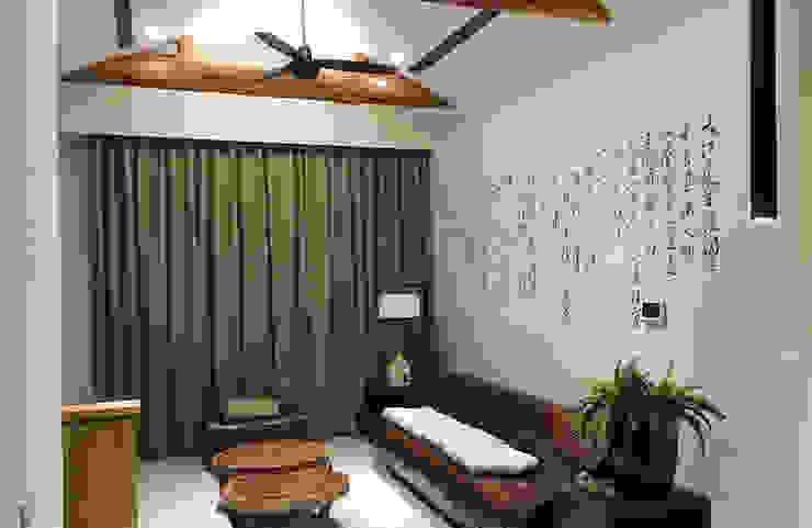 透過草書字墨的意象作為背景,給予大器而隨性的展現內斂具優雅的中式風采。 根據 雅和室內設計 日式風、東方風