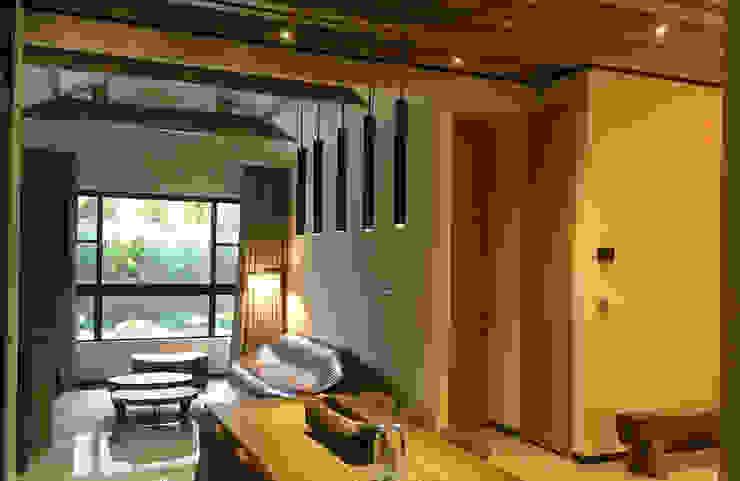 空間光氛不同的強弱表情,讓光影流動成為場域裡最佳的動態角 根據 雅和室內設計 日式風、東方風