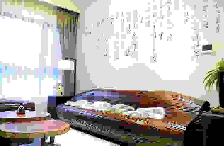 大器而隨性的展現內斂具優雅的中式風采。 根據 雅和室內設計 日式風、東方風