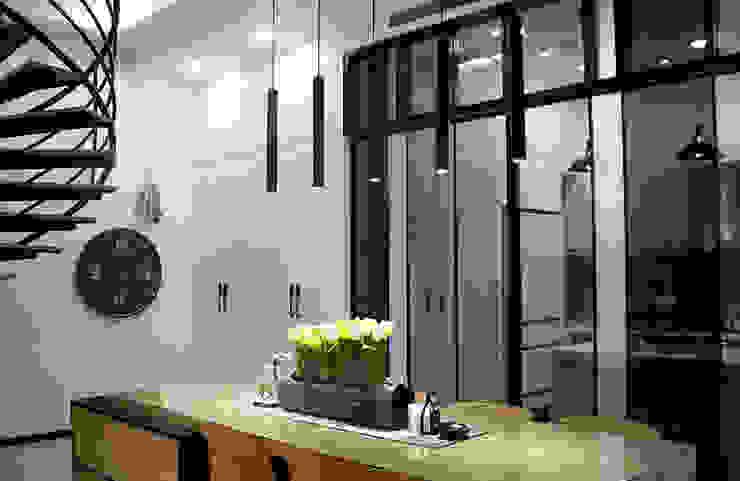 利用通透材質做 根據 雅和室內設計 現代風