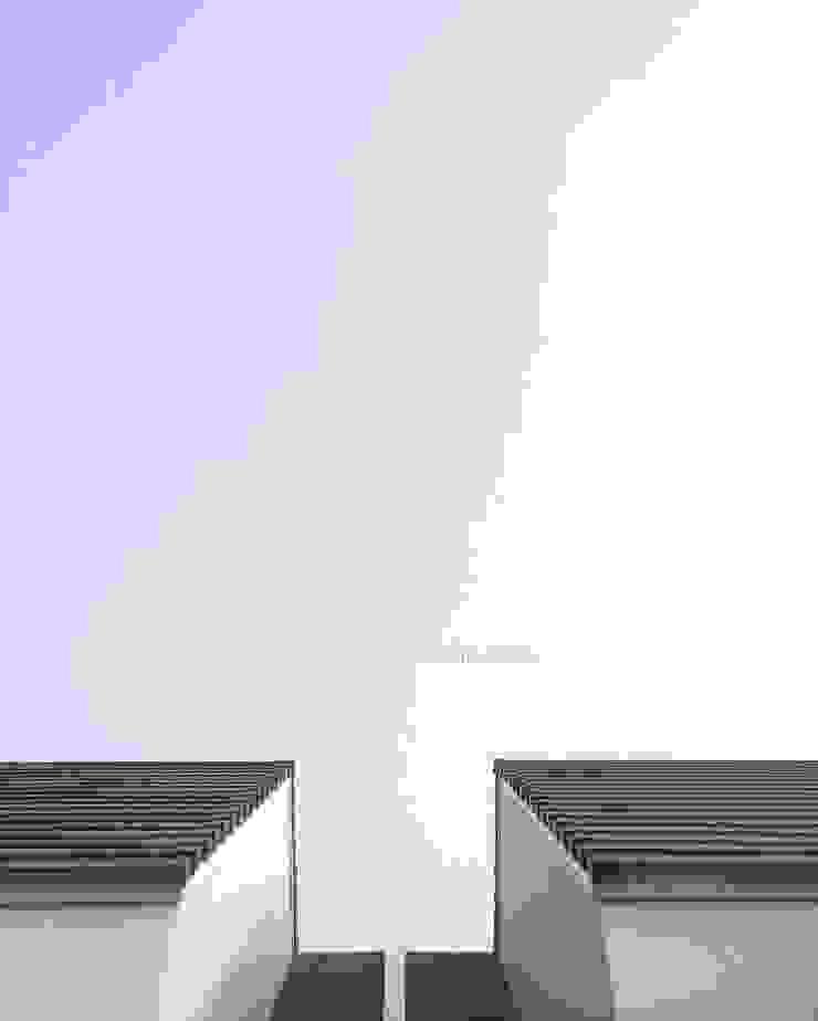 Roof Tile Oleh ADEA Studio Modern