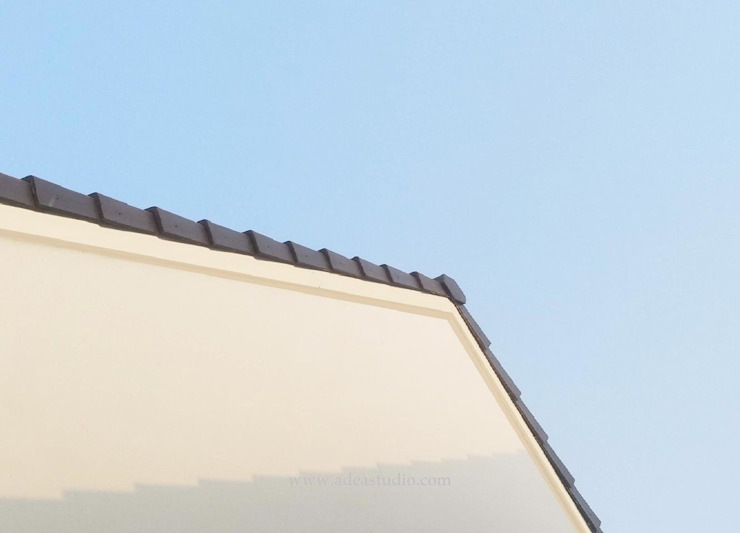 Roof Oleh ADEA Studio Modern