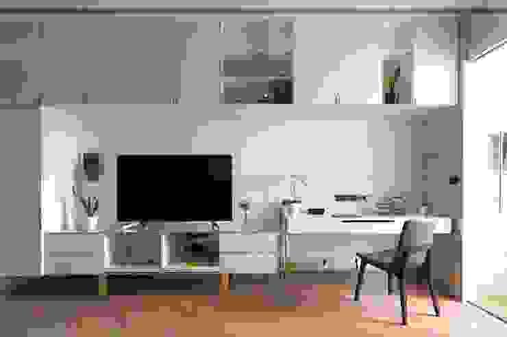 木皆空間設計 Livings de estilo moderno Blanco