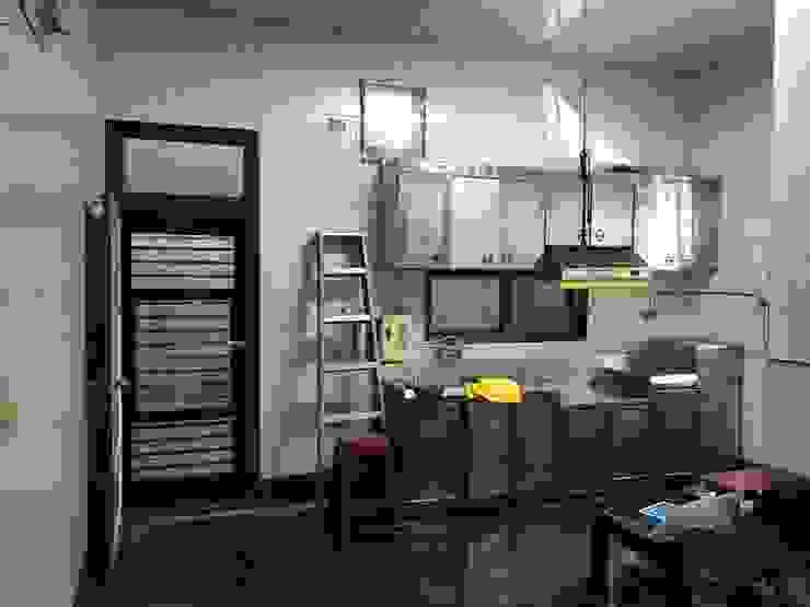 一樓廚房-before 根據 houseda