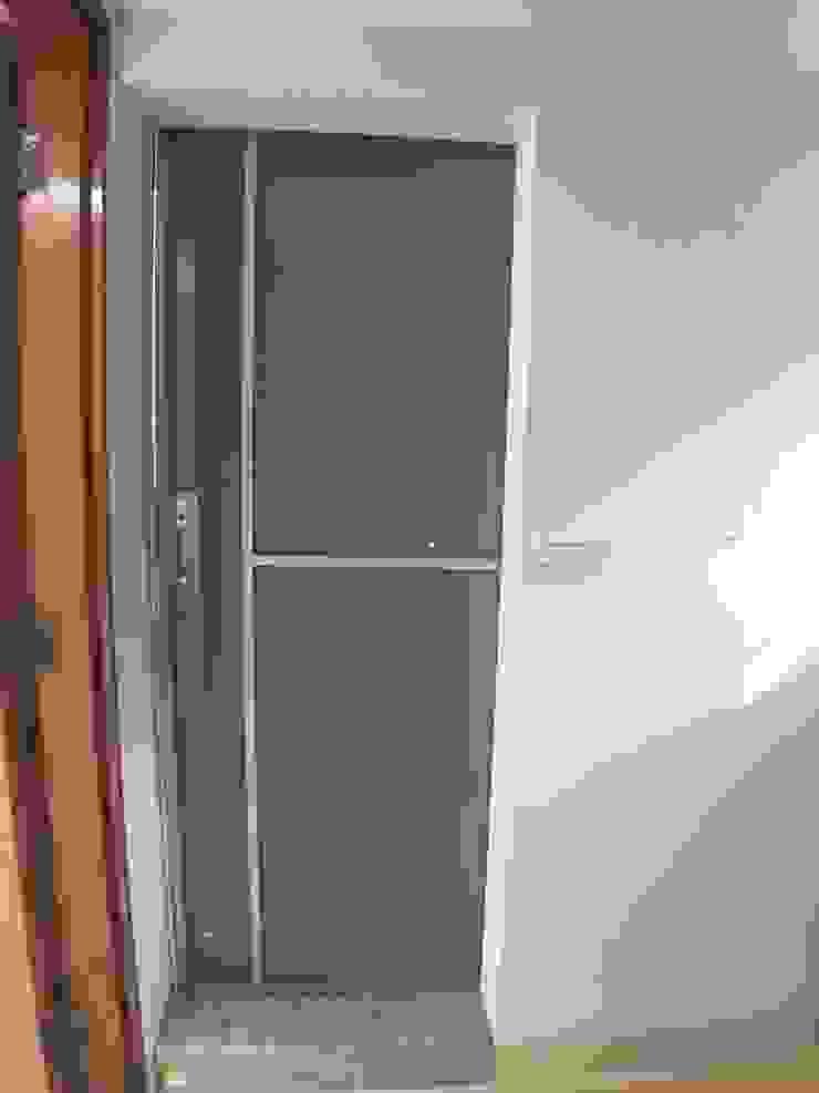 四樓衛浴-滑門 根據 houseda