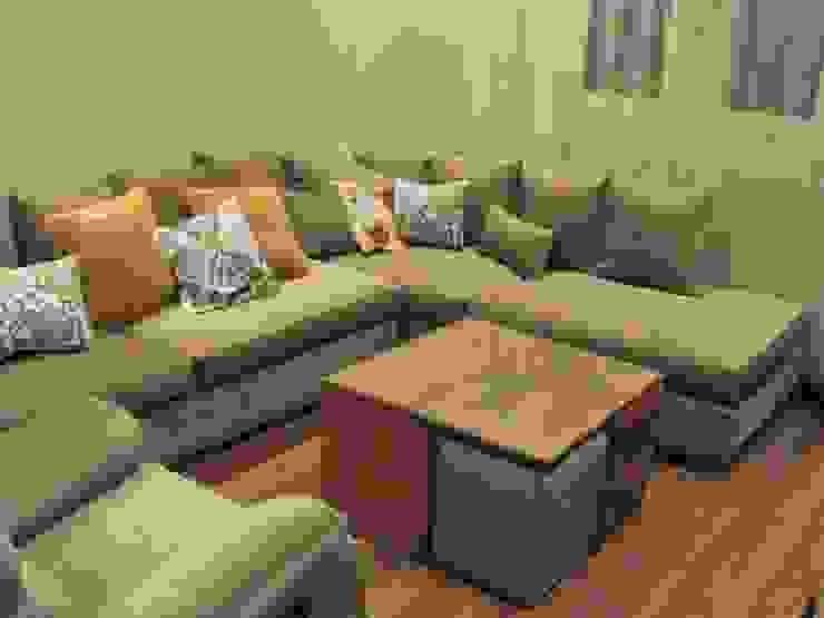 m furniture - moshir abdallah Livings de estilo moderno Madera maciza Acabado en madera