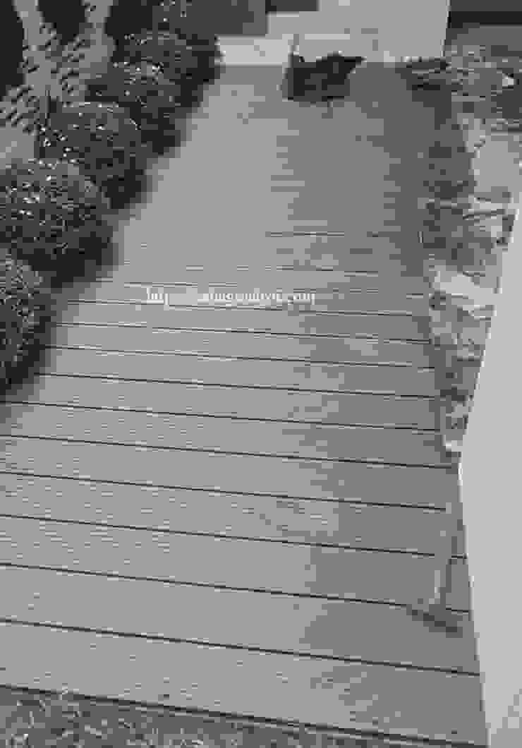 Lát sàn gỗ sân vườn biệt thự Vinhomes Riverside bởi Công ty CP Sàn Đẹp