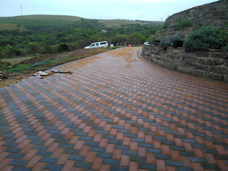Paving is an artform Rustic style garden by KwikPave SA Rustic