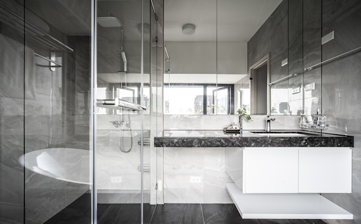 Jyue's Bathroom   After 裝修後4 現代浴室設計點子、靈感&圖片 根據 有隅空間規劃所 現代風 磁磚