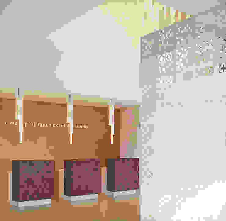 Lobby/Recepção por AlexandraMadeira.Ac - Arquitectura e Interiores Moderno