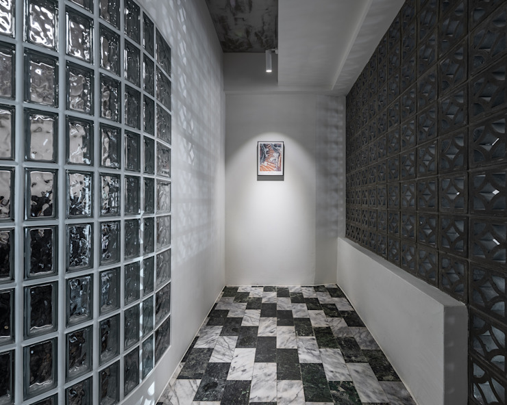 Pasillos, vestíbulos y escaleras de estilo asiático de 漢玥室內設計 Asiático Mármol