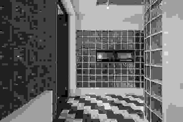 Estudios y despachos de estilo asiático de 漢玥室內設計 Asiático Vidrio
