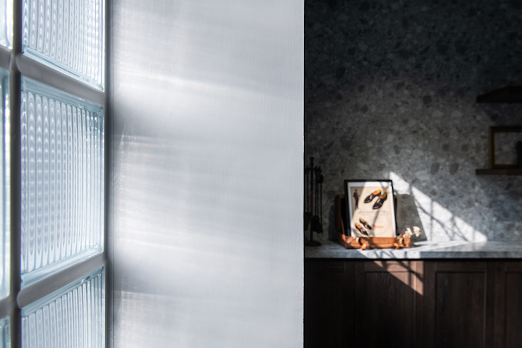 Paredes y suelos de estilo asiático de 漢玥室內設計 Asiático Vidrio