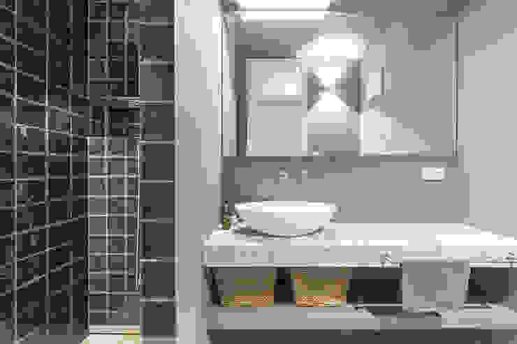 Dark Mood Sloe Vivante Moderne Badezimmer Lila/Violett