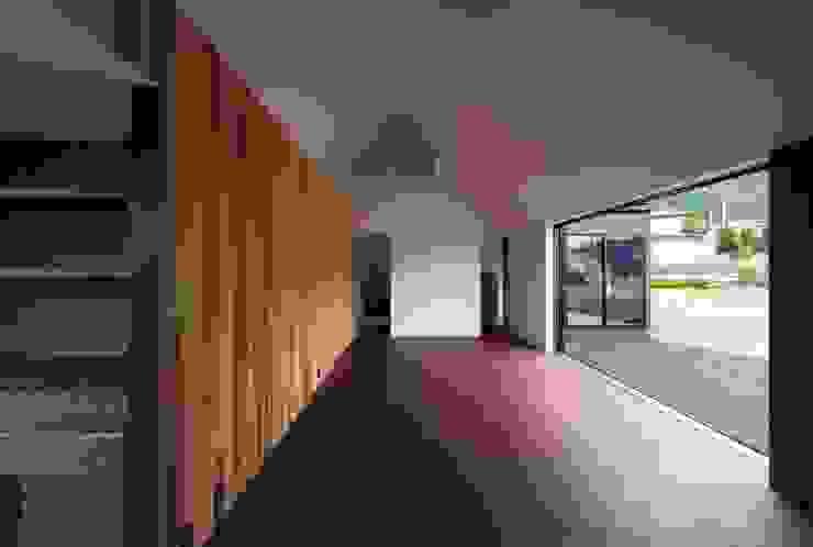 Ruang Keluarga Modern Oleh キューボデザイン建築計画設計事務所 Modern