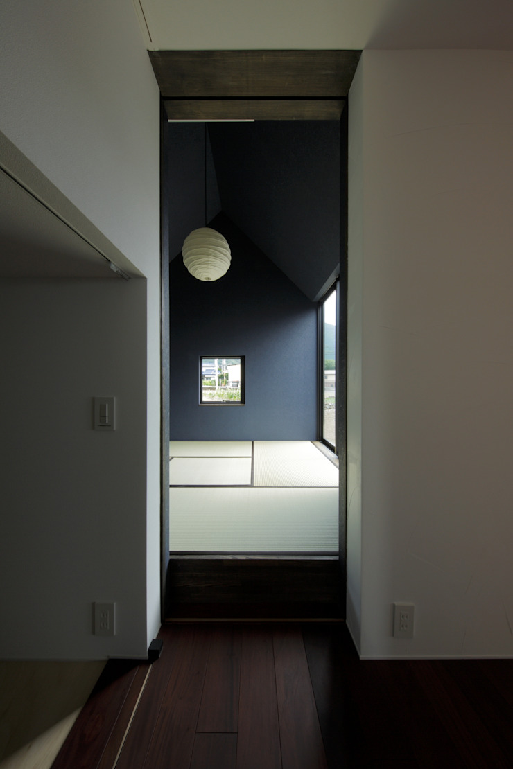Ruang Media Modern Oleh キューボデザイン建築計画設計事務所 Modern