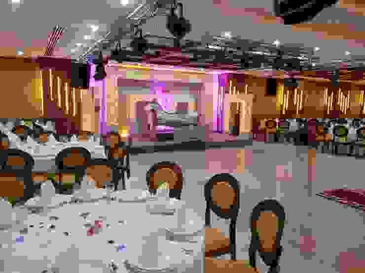 SALON DE BODA Y EVENTOS de Tu Hotel Contract Moderno Madera Acabado en madera