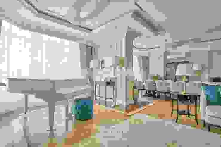 Salas de estilo ecléctico de Студия Luxury Antonovich Design Ecléctico