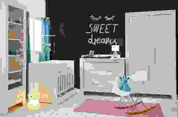 """modernes Babyzimmer """"Cannes"""" komplett in weiß : modern  von QMM TraumMoebel,Modern"""
