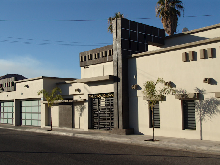 REMODELACION RESIDENCIA BUROCRATA Casas estilo moderno: ideas, arquitectura e imágenes de GRACIA VALENCIA y asociados, S.A de C.V. Moderno