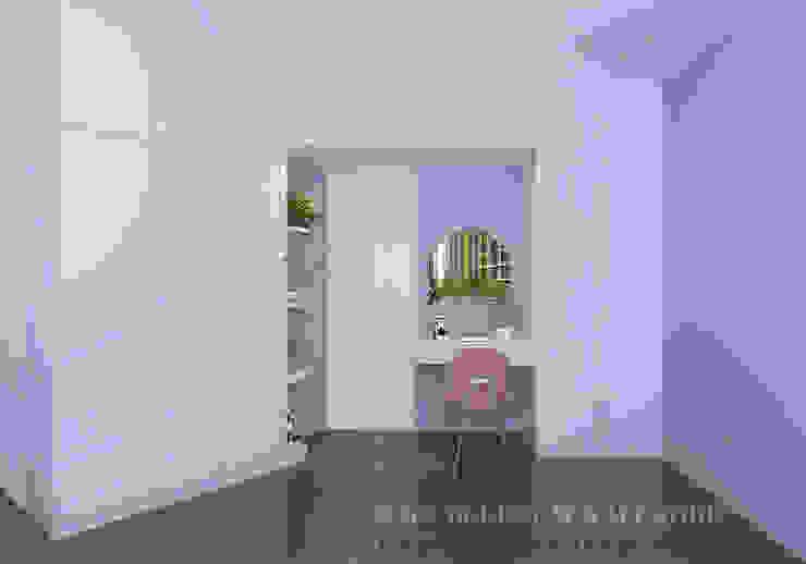 Wardrobe cum dressing table by Swish Design Works Modern Plywood