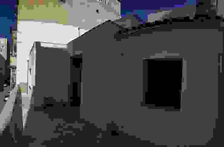 REFORMA DÚPLEX CON AZOTEA Balcones y terrazas de estilo clásico de FOCUS Arquitectura Clásico