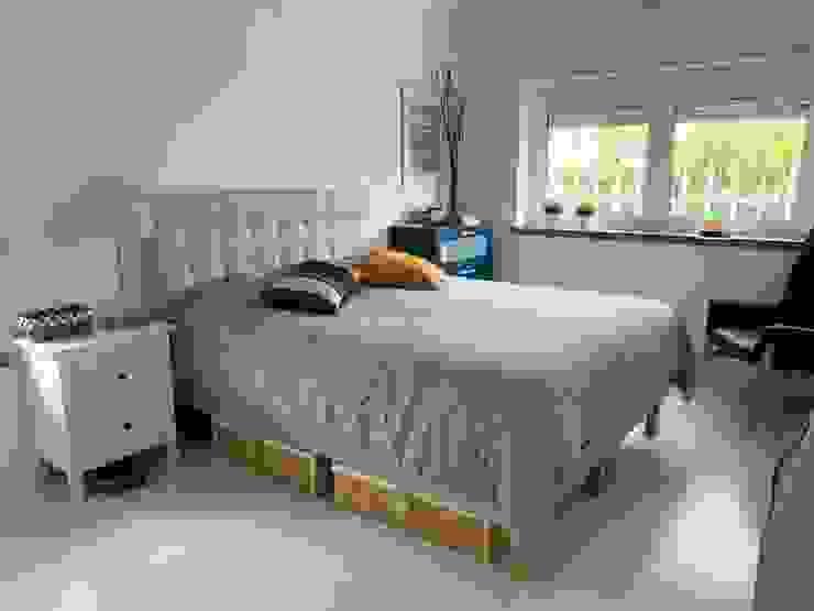 Quarto moderno e aconchegante Quartos minimalistas por NEUSA MORO Minimalista