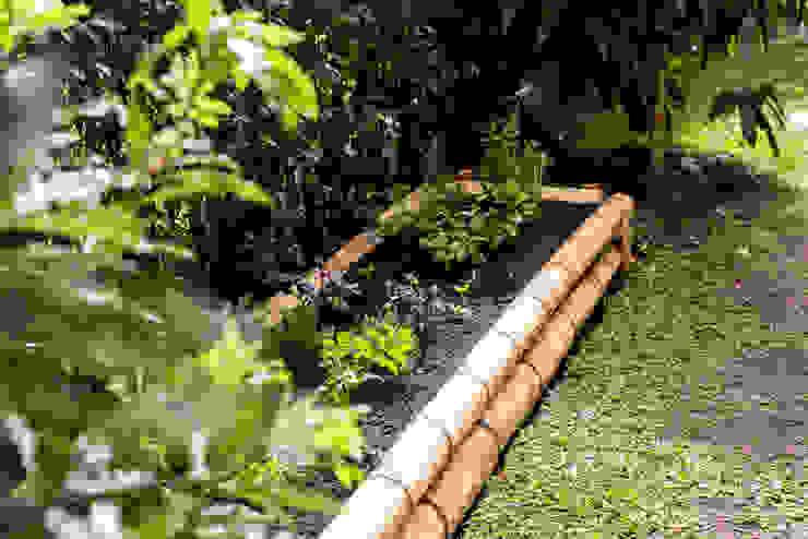 Resultado Final Jardines de estilo rústico de TERRA Prados y jardines Rústico