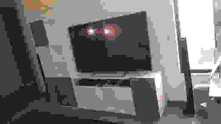 Librero y contenedor de Televisor de Azohia Design - Diseño y Decoracion Maria Alejandra Bucher EIRL Moderno Madera Acabado en madera