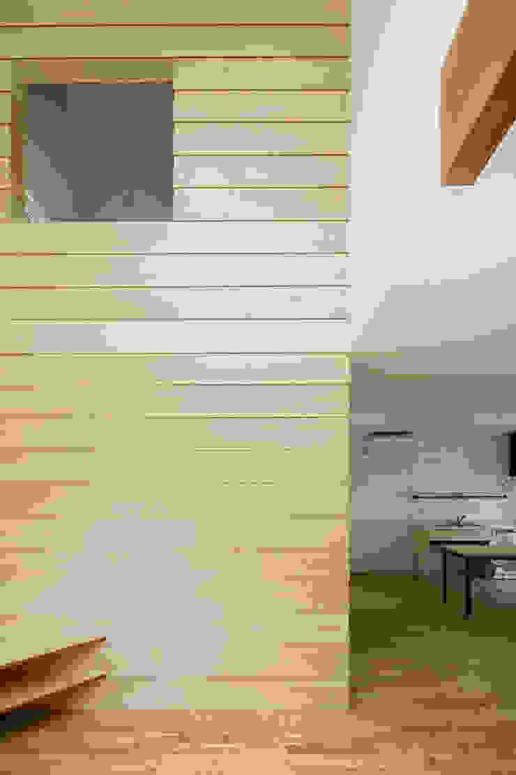 Minimalistische Wände & Böden von HAMADA DESIGN Minimalistisch